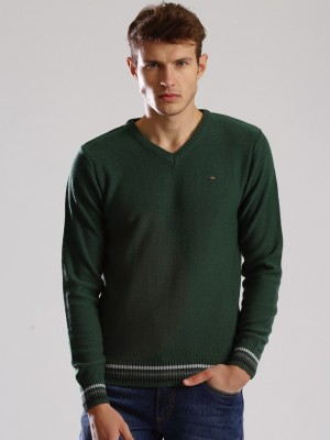 WROGN Solid V-neck Casual Men's Green Sweater