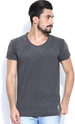 Hubberholme Solid Men's Scoop Neck Grey T-Shirt