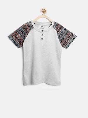 YK Solid Boy's Henley Grey T-Shirt