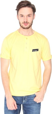 Campus Sutra Solid Men's Henley Yellow T-Shirt
