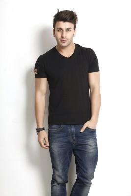 Gritstones Solid Men's V-neck Black T-Shirt