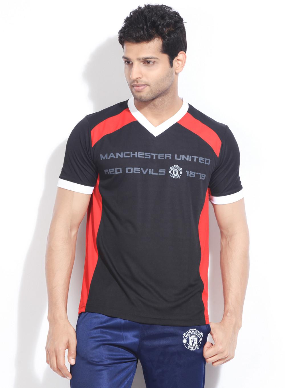 Manchester United Solid Men's V-neck Black T-Shirt