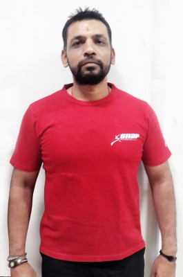 Snap fitness Solid Men's Round Neck Red T-Shirt