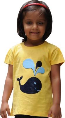Snowflakes Animal Print Girl's Round Neck Yellow T-Shirt