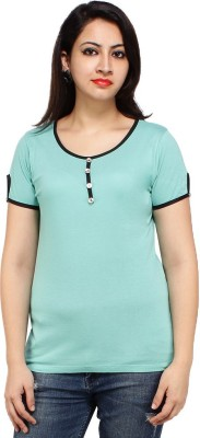 Styles Clothing Solid Women's Scoop Neck Light Blue T-Shirt