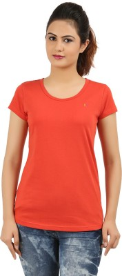 New Darling Solid Women's Round Neck Red T-Shirt