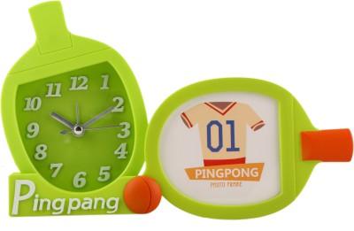 Bazaar Pirates Analog Green Clock