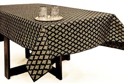 Cannigo Printed 6 Seater Table Cover(Black, PVC) at flipkart