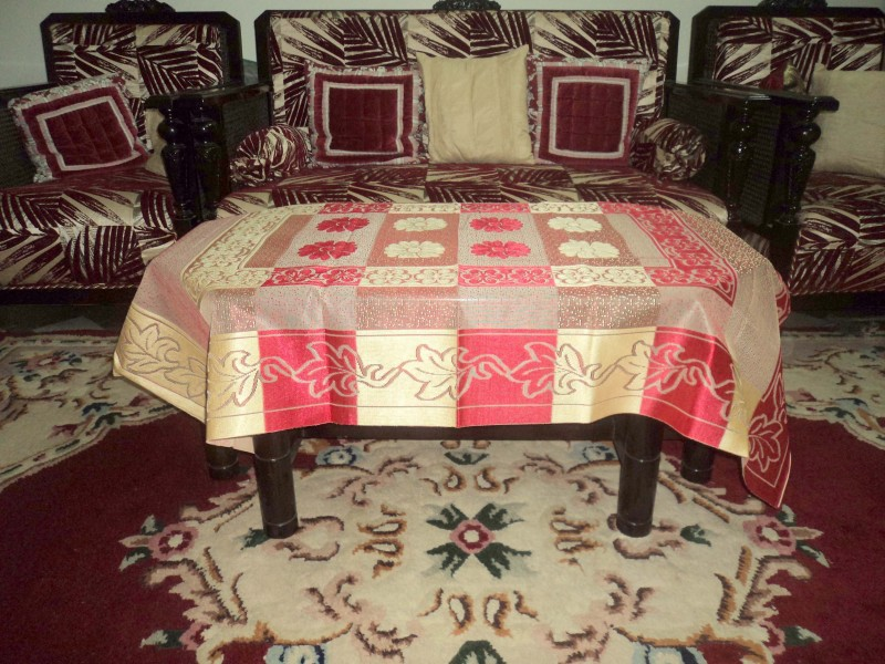 Amita Home Furnishing Floral 6 Seater Table Cover(Maroon, Polyester)