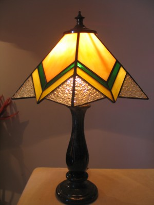 Humare Sapne Sussex Cone Tiffany Table Lamp