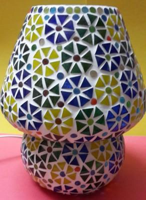 Priyal Artz Triangle Flowers 08 Table Lamp