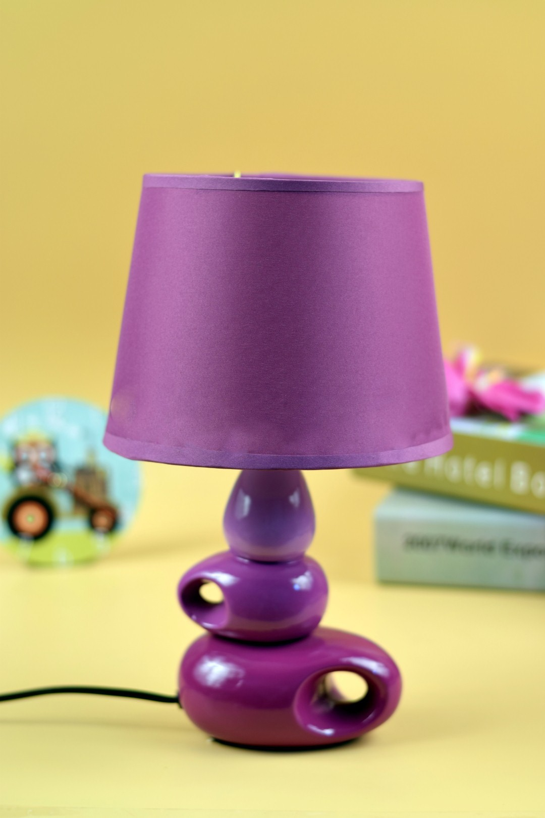 gojeeva geometrical table lamp