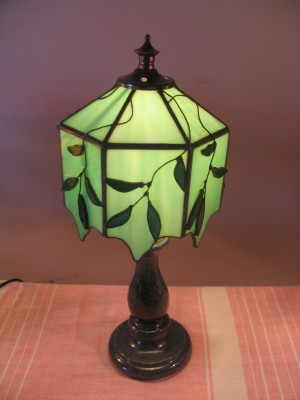Humare Sapne Willow Tiffany Table Lamp
