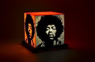 Shady Ideas Cry Of Love Table Lamp