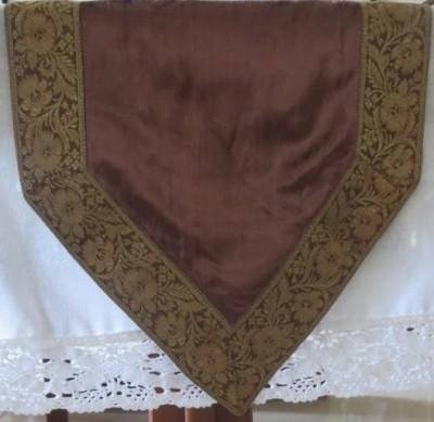 Needlecrest Brown, Gold 180 cm Table Runner