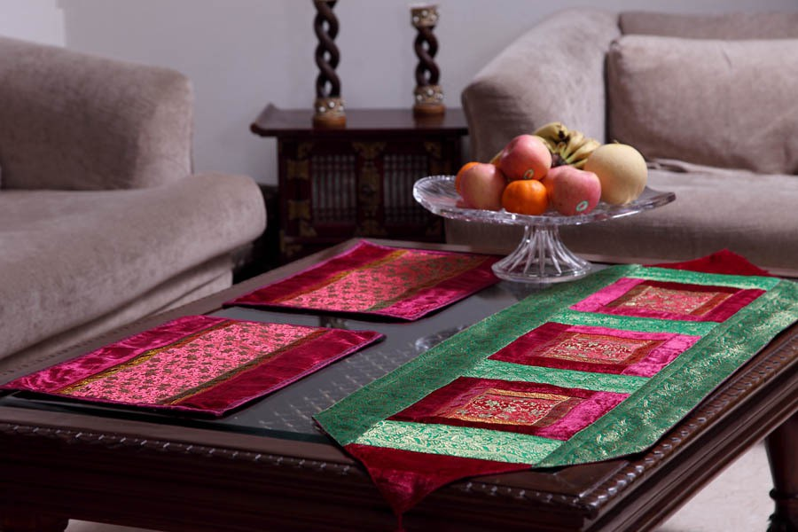 Jodhaa Green, Pink 127 cm Table Runner