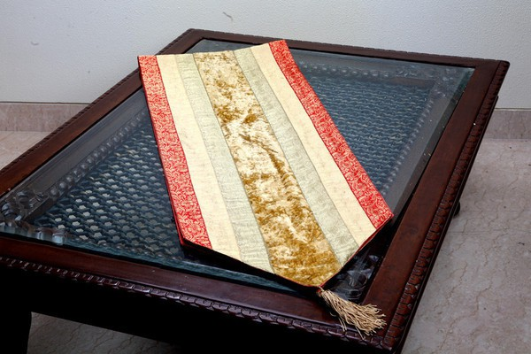 Jodhaa Gold 127 cm Table Runner