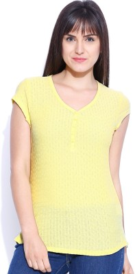 Levi's Casual Short Sleeve Solid Women's Yellow Top