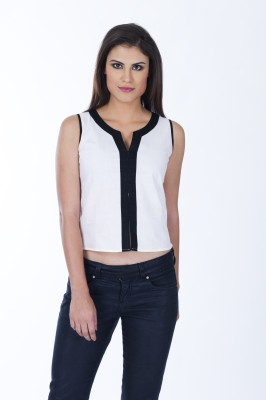 Lisova Casual Sleeveless Solid Women,s White Top
