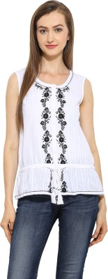 Free & Young Casual Sleeveless Embroidered Women's White Top
