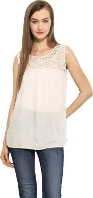 Free & Young Casual Sleeveless Solid Women's White Top