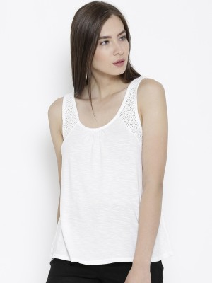 Sera Casual Sleeveless Self Design Women,s White Top
