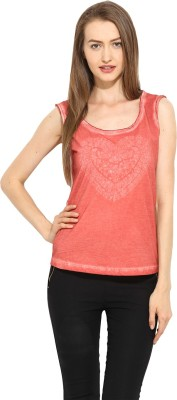 Free & Young Casual Sleeveless Solid Women's Red Top