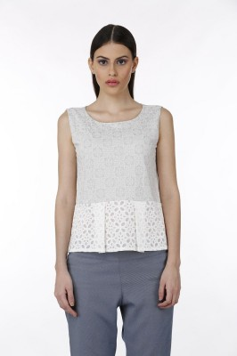 Baba Rancho Casual Sleeveless Solid Women's White Top