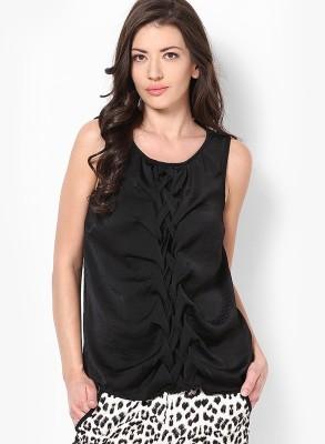 Vero Moda Casual Sleeveless Solid Women's Black Top at flipkart
