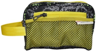 Cropp Utility 9 Travel Toiletry Kit