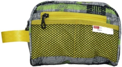 Cropp Utility 8 Travel Toiletry Kit