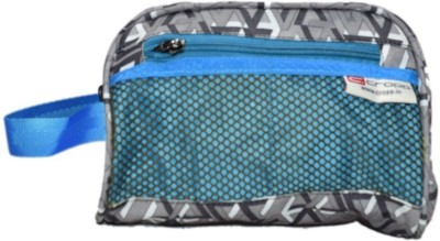 Cropp Utility 7 Travel Toiletry Kit