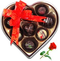 Chocholik Valentine Day Gift - 9Pc Mini Love Chocolates With Red Rose Artificial Flower Gift Set best price on Flipkart @ Rs. 848
