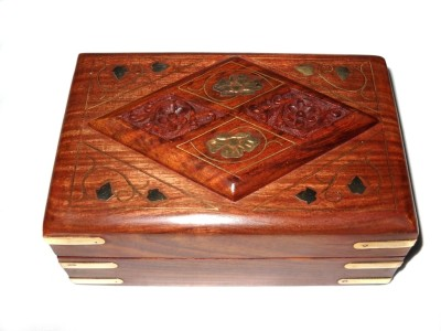 Crafts Paradise Hand Carved And Brass Inlay Work Diamond Design Jewellery Vanity Box