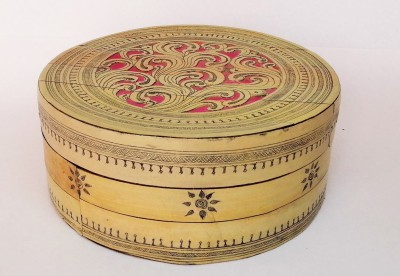 Jupiter Gifts And Crafts Hand Carved Palm Jewellery Vanity Box