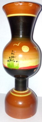 Royals Pride Wooden Vase
