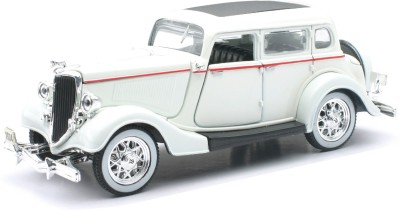 New-Ray 1934 Ford Deluxe Fordor
