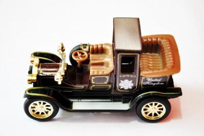 Ruppiee Shoppiee Old Classic Car Brown