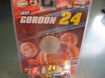 Winners Circle 2007 Jeff Gordon 24 Dupont Monte Carlo Flames 1/64 Scale