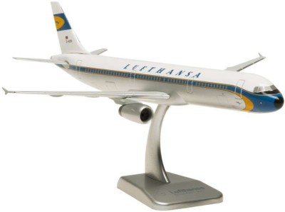 Hogan Wings Airbus A321 Lufthansa A321 Retro, Scale 1:200 (With Stand & No Gear)