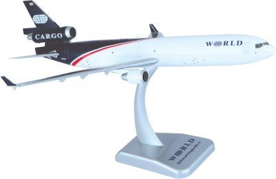 Hogan Wings Aircraft scale model, MD-11F World Airways, Scale 1:200 (with Stand & gear)
