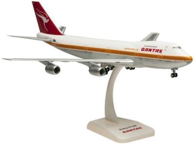Hogan Wings Boeing 747-200 Qantas, Scale 1:200 (with Stand with Gear)