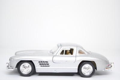 A2B Kinsmart Die-Cast Metal Mercedes