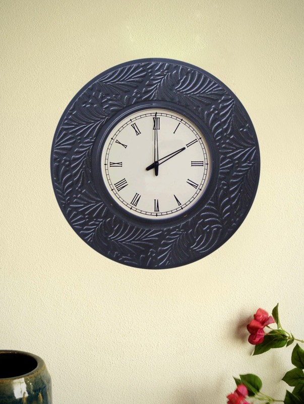 Marwar Stores Analog Wall Clock(Shiny Black, With Glass)