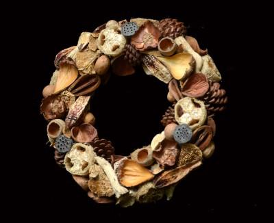 Exotic Creations Feliz Navidad - Dried flower wreath
