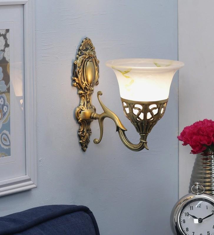 WhiteRay Wallchiere Wall Lamp