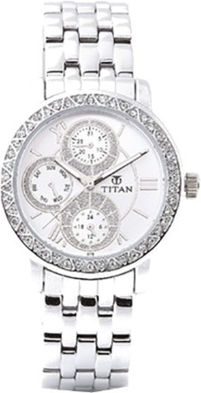 Titan NF9743SM01 Analog Watch For Men