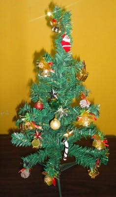 Aryash Highbrow Creation Generic Artificial Christmas Tree