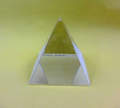 Sitare Crystal 98 grams Fengshui Pyramid Crystal Yantra(Pack of 1)